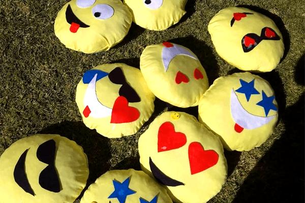 Emoji Cushion making with plaster craft emoji painting